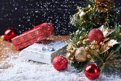 Stilleven met Kerstmistoebehoren Royalty-vrije Stock Afbeeldingen