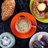 Stilleven met koffie en cake Stock Foto