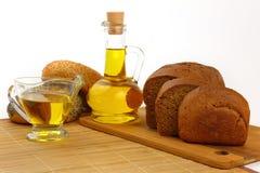 Stilleven met olijfolie en brood royalty-vrije stock foto's