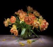 Stilleven met tulpen Royalty-vrije Stock Foto's