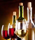 Stilleven met wijnflessen Royalty-vrije Stock Foto's