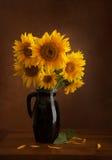 Stilleven met zonnebloemen Royalty-vrije Stock Afbeeldingen