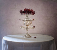Stillevenpiramide van fruitvazen Royalty-vrije Stock Foto's