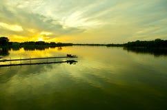 Stillhet Waters solnedgång arkivfoton