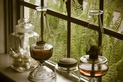 Stillleben auf einem Fensterbrett Lizenzfreies Stockbild