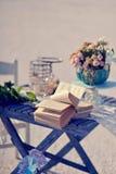 Stillleben auf einem Holztisch Stockbild