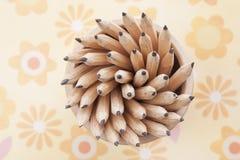 Stillleben der abstrakten Gegenstände Bleistifte Stockbild