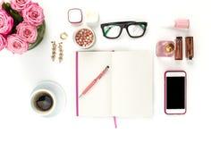 Stillleben der Modefrau, Gegenstände auf Weiß stockbild