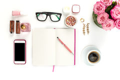 Stillleben der Modefrau, Gegenstände auf Weiß Lizenzfreie Stockfotografie