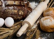Stillleben mit Brot Lizenzfreies Stockfoto
