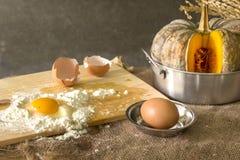 Stillleben mit Eiern Lizenzfreies Stockbild
