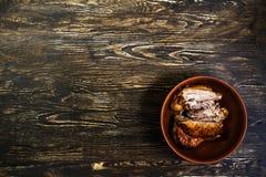 Stillleben mit gegrilltem Fleisch des Truthahns Stockfotografie