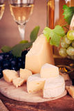 Stillleben mit weißem Wein stockbilder