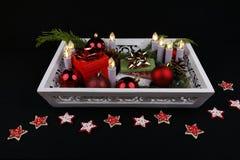 Stilllife em dias de Natal com luzes e quinquilharias fotografia de stock