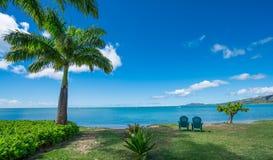 Stillsam morgon vid det blåa vattnet av den Maunalua fjärden, Hawaii Royaltyfria Bilder