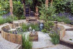 Stillsamt trädgårds- landskap arkivfoton