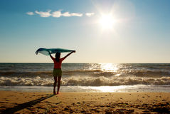 Stillstehen auf dem Strand Stockbilder