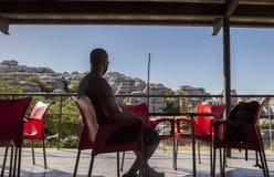 Stillstehen auf interpretierendem Mitterestaurant an Torcal De Antequera Stockbild