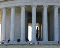 Stillstehen bei Jefferson Memorial Lizenzfreies Stockfoto