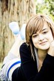 Stillstehende junge Frau Stockbilder