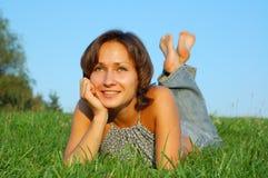 Stillstehende Mädchen Lizenzfreie Stockfotos