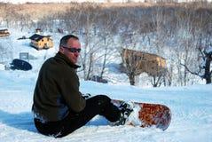 Stillstehender Snowboarder Stockfotografie