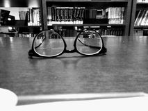 Stilte in bibliotheek Royalty-vrije Stock Foto's
