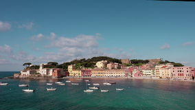 Stiltebaai in Sestri Levante, Italië stock video