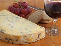 Τυρί Stilton & κρασί λιμένων Στοκ Εικόνα