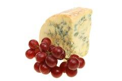 Stilton Käse und Trauben lizenzfreies stockbild