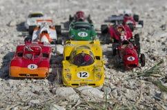 Stilvolle Formelautos an der Sonne Stockbilder