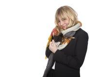 Stilvolle Frau in einem Winterschal Stockfotografie