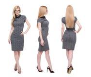 Stilvolle intelligente kaukasische blonde Geschäftsfrau lokalisiert auf Weiß Lizenzfreie Stockfotografie