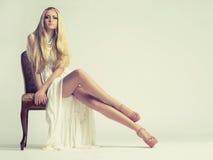 Stilvolle junge Frau Lizenzfreies Stockfoto