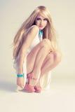 Stilvolle junge Frau Stockbild