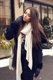 Stilvolle junge Frau Stockbilder