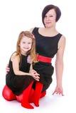 Stilvolle Mutter und Tochter, Studioschießen stockbild