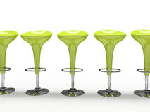Stilvoller grüner Cafeteriastuhl getrennt auf schwarzem Hintergrund Stockfotografie