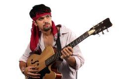 Stilvoller indischer Gitarrist stockfotografie