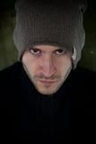 Stilvoller junger Mann im Winterporträt Lizenzfreies Stockfoto