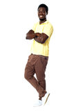 Stilvolles Porträt des überzeugten afrikanischen Kerls Stockbilder