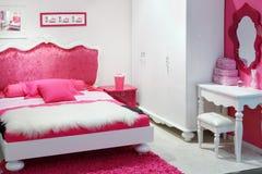 Stilvolles rosafarbenes Schlafzimmer Stockfotos