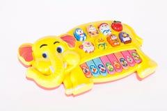 Stimolazione iniziale del giocattolo del bambino musicale del piano immagine stock