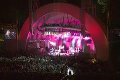 Sting, der am eben erneuerten Hollywood Bowl, Hollywood, Kalifornien durchführt Lizenzfreie Stockfotos
