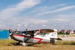 Stinson 108 aerei di Voyager BTK durante lo show aereo Fotografia Stock Libera da Diritti