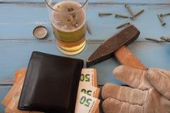Stipendi del ` s degli impiegati di Handymans Fotografie Stock Libere da Diritti