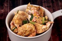 Stir-зажаренный краб в порошке карри первая десятка популярной тайской еды Стоковая Фотография