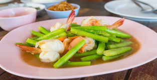 Stir-fried asparagus with prawns Royalty Free Stock Photo