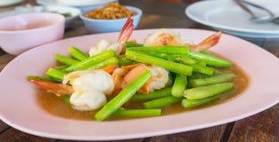 Stir-fried asparagus with prawns Royalty Free Stock Photo