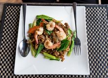 Stir fried flat noodle and shrimp Stock Photography